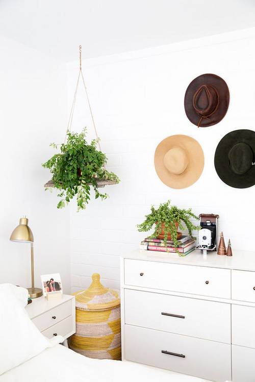 newdarlings_bedroom_plants_cozy